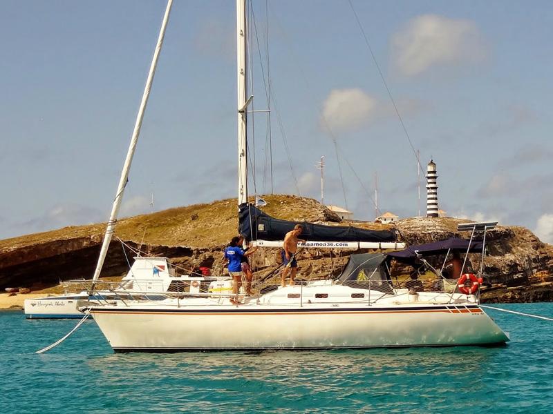 veleiro-ancorado2